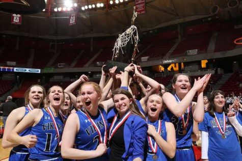 Girls Basketball Determined to Defend State Title